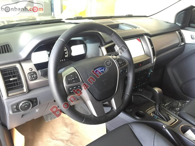 Xe Ford Everest 2.2L AT Trend   2016