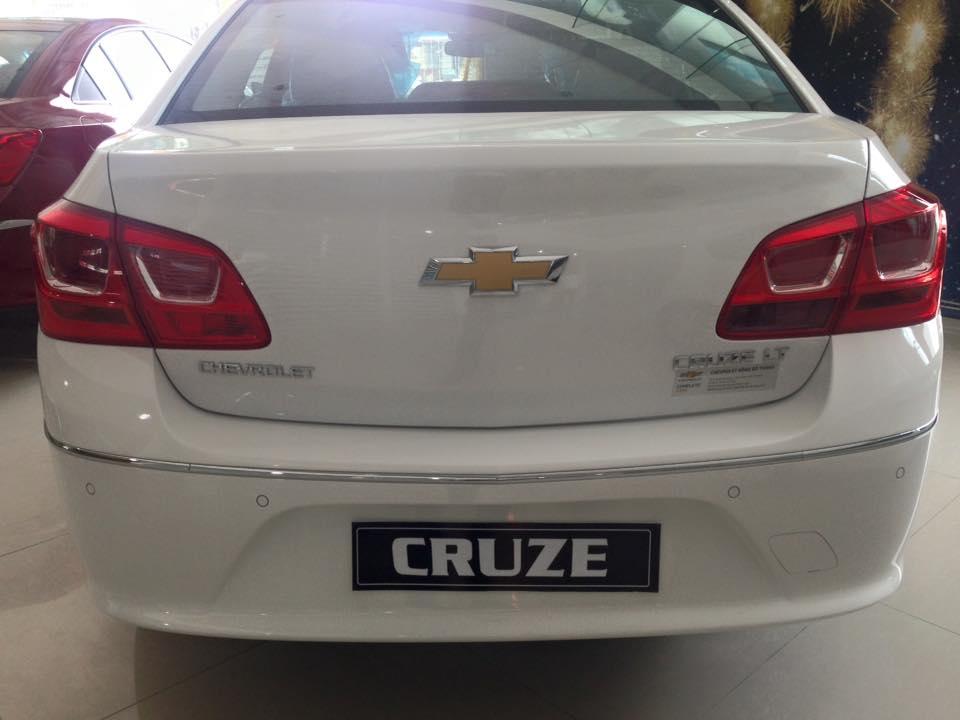 Xe Chevrolet Cruze LT 2016