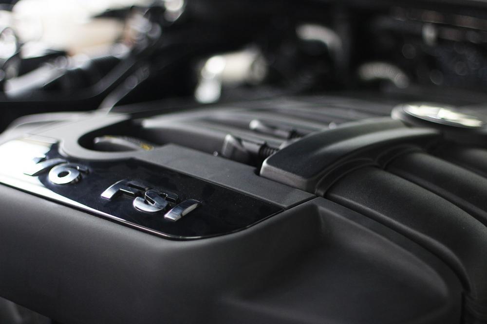 Xe Volkswagen Touareg E 2015