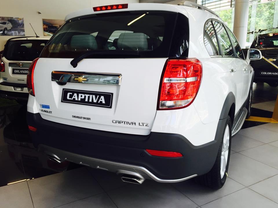 Xe Chevrolet Captiva 2.4 LTZ - AT  2016