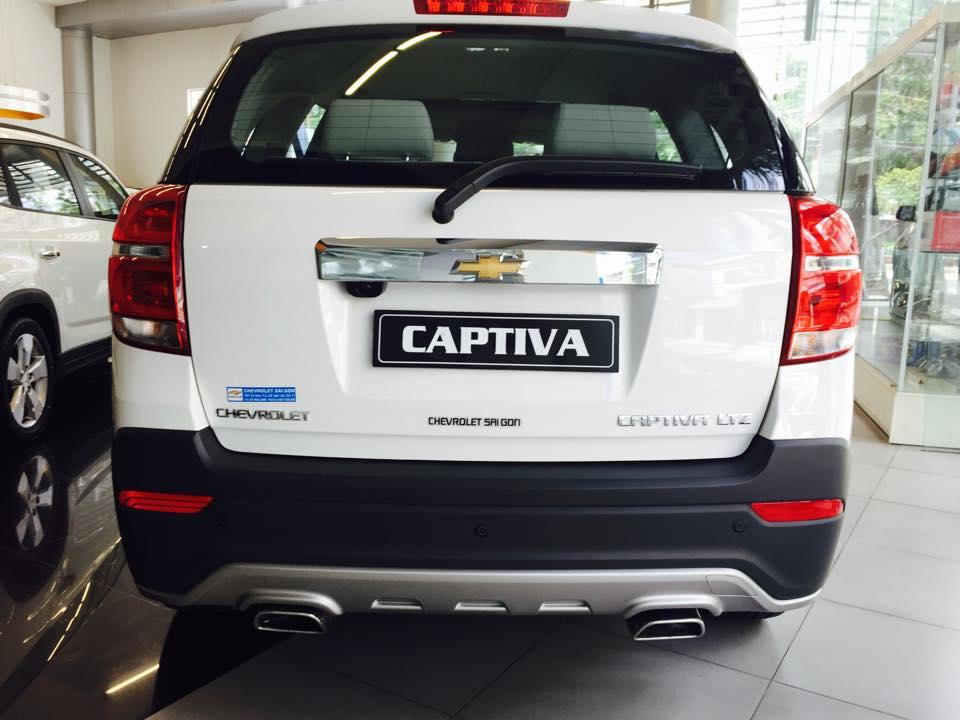 Xe Chevrolet Captiva 2.4 LTZ 2016
