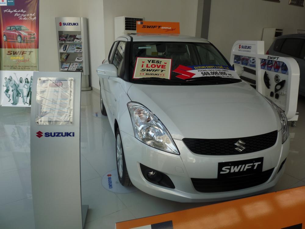 Xe Suzuki Swift  2015