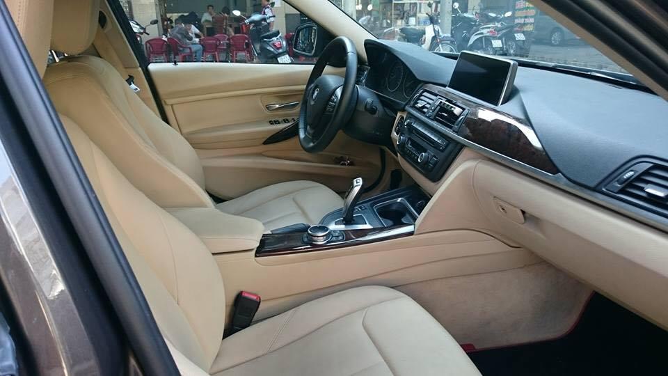 Xe BMW 3 Series 320i 2012