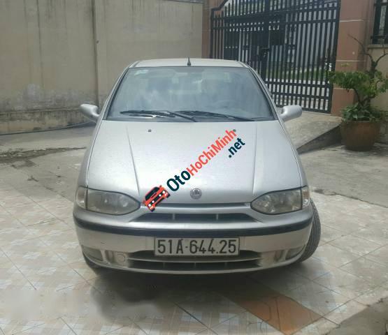 Cần bán xe cũ Fiat Siena HLX 1.6 đời 2003, màu bạc còn mới