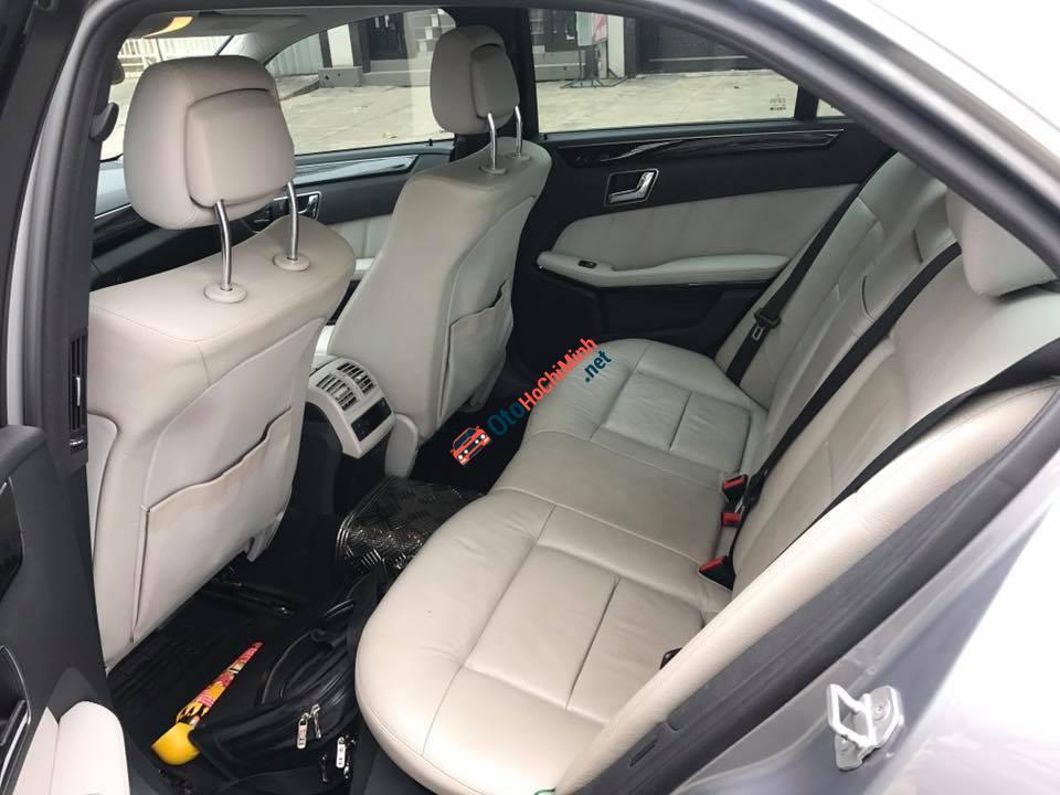 Cần bán Mercedes E250, sản xuất 2010, số tự động, máy xăng