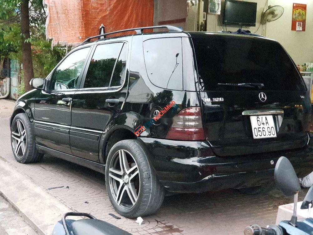 Bán Mercedes ML 320 sản xuất 2002, màu đen, nhập khẩu chính chủ