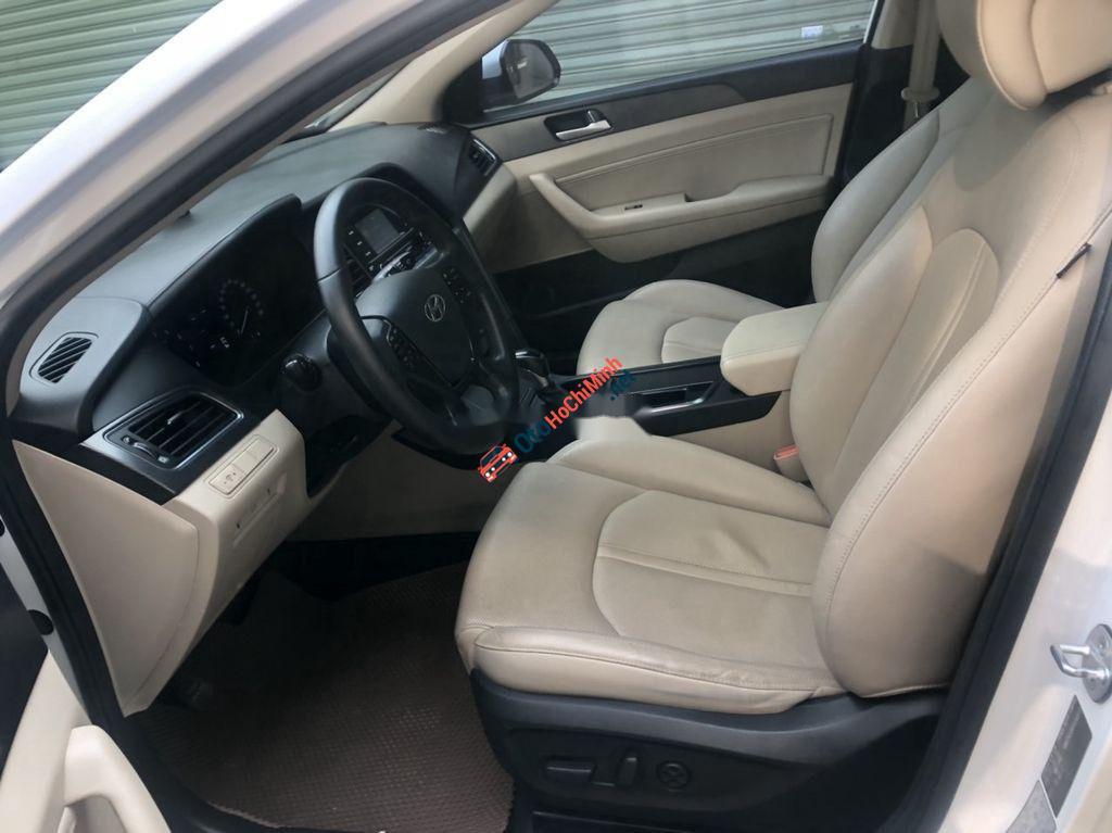 Bán Hyundai Sonata 2.0 AT năm sản xuất 2012, màu trắng, nhập khẩu Hàn Quốc, 710 triệu
