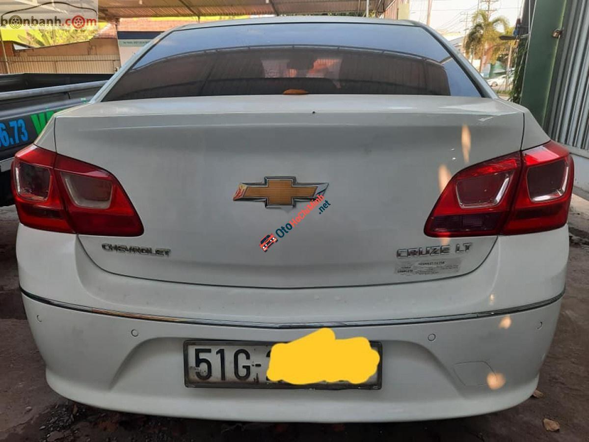 Bán xe Chevrolet Cruze đời 2016, màu trắng số sàn