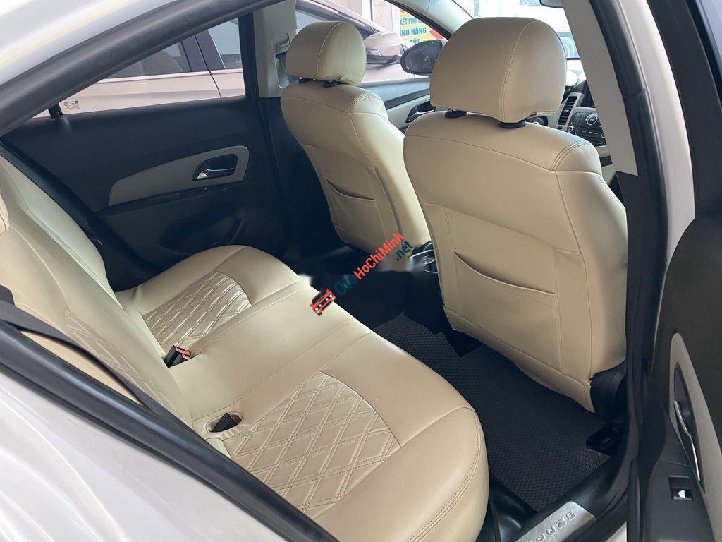 Bán ô tô Chevrolet Cruze đời 2016, màu trắng, số sàn