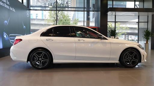 Xe hãng trưng bày chỉ đóng 2% thuế - C300 AMG đủ màu mới 100%