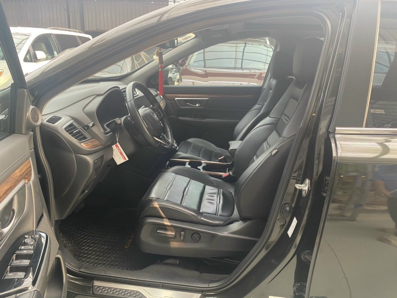 Bán xe CR-V máy 1.5L Turbo sx 2018 màu đen