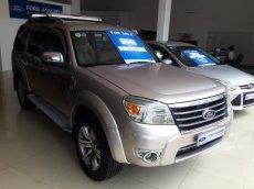 Cần bán xe Ford Everest 4x2 MT đời 2011, màu hồng phấn