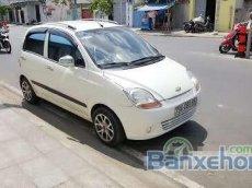 Cần bán xe Chevrolet Spark AT đời 2009, màu trắng đã đi 95000 km