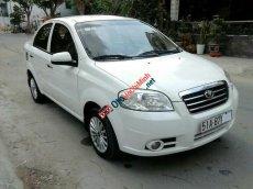 Cần bán lại xe Daewoo Gentra SX đời 2009, màu trắng chính chủ