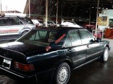 Cần bán xe Mercedes E230 E đời 1984, màu đen, nhập khẩu nguyên chiếc, giá chỉ 100 triệu