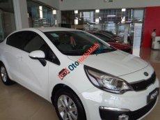Cần bán xe Kia Rio 1.6 AT đời 2016, màu trắng