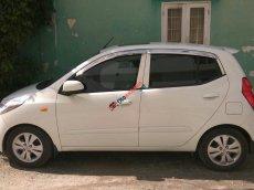 Cần bán lại xe Hyundai i10 1.2AT đời 2011, màu trắng