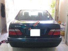Bán Mercedes E230 sản xuất 1997, màu xanh lam, nhập khẩu chính hãng còn mới
