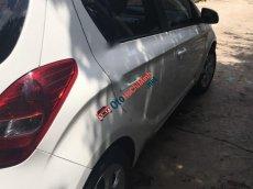 Xe Hyundai i20 AT sản xuất 2012, màu trắng, nhập khẩu chính chủ, giá chỉ 425 triệu