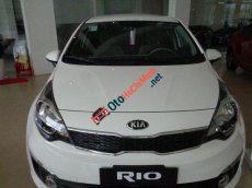 Bán xe Kia Rio 1.6 AT đời 2017, màu trắng