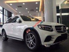 Bán Mercedes GLC300 4 MATIC đời 2017, màu trắng, nhập khẩu