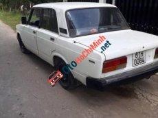 Bán Lada 2107 đời 1989, màu trắng, giá chỉ 16 triệu