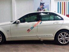 Bán Mercedes 200 đời 2012, màu trắng số tự động, giá tốt