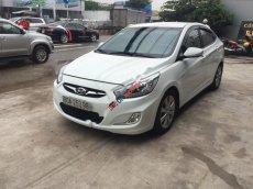 Cần bán Hyundai Accent 1.4 AT đời 2013, màu trắng, nhập khẩu nguyên chiếc xe gia đình