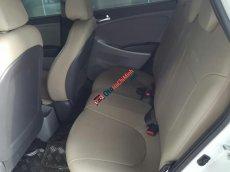 Bán Hyundai Accent 5 cửa số tự động nhập Hàn Quốc 2013 màu trắng, biển Sài Gòn