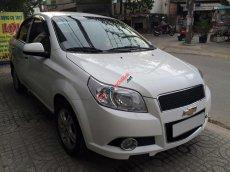 Cần bán xe Chevrolet Aveo MT đời 2014, màu trắng số sàn giá cạnh tranh