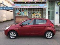 Nhà mình cần bán xe Hyundai I20 AT màu đỏ 2012