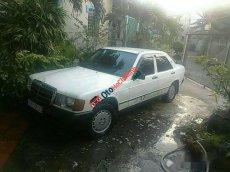 Cần bán gấp Mercedes đời 1986, màu trắng, giá tốt