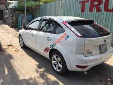 Cần bán lại xe Ford Focus AT năm 2011, màu trắng chính chủ, 355tr