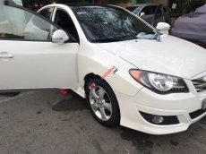 Cần bán xe Hyundai Avante 1.6 AT 2011, màu trắng