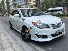 Bán Hyundai Avante AT sản xuất 2012, màu trắng còn mới, 378tr