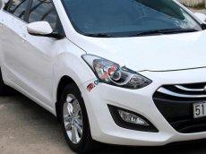 Bán ô tô Hyundai i30 1.6 AT năm 2013, màu trắng, nhập khẩu còn mới