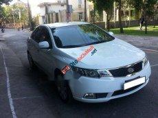 Cần bán lại xe Kia Forte MT sản xuất 2011, màu trắng, giá chỉ 352 triệu