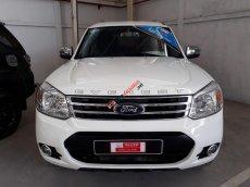 Bán xe Ford Everest 2.5 Diesel đời 2014, màu trắng, số sàn