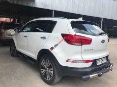 Bán Kia Sportage 2.0AT 2015 màu trắng, 5 chỗ, nhập khẩu nguyên chiếc Hàn Quốc