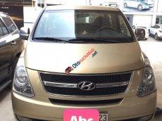 Bán Hyundai Starex 2.5MT sản xuất 2012, màu vàng, nhập khẩu, ghế xoay