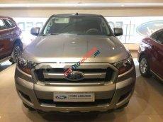 Bán Ford Ranger XLS 4x2 MT màu bạc, chạy mới 21000 km