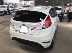 Bán Ford Fiesta 1.0AT Ecoboost 2015, màu trắng, đúng chất, giá thương lượng, hỗ trợ góp