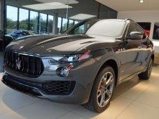 Bán Maserati Levante chính hãng, màu xanh, liên hệ để được tư vấn: 0978877754