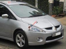Cần bán Mitsubishi Grandis 2.4Mivec đời 2009, màu bạc