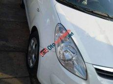 Bán ô tô Hyundai i20 năm 2010, màu trắng, nhập khẩu nguyên chiếc, 320 triệu