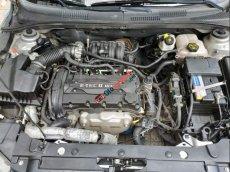 Cần bán xe Chevrolet Cruze LS sản xuất 2012, màu bạc số sàn, giá chỉ 320 triệu