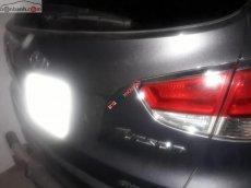 Cần bán gấp Hyundai Tucson đời 2010, màu bạc, xe nhập xe gia đình