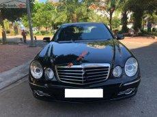 Cần bán xe Mercedes E200 đời 2006, màu đen