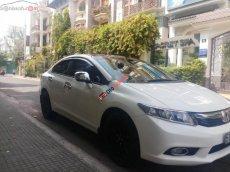 Bán xe Honda Civic màu trắng, số tự động, máy 1.8 sx năm 2012