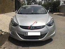 Cần bán Hyundai Elantra AT model 2014, màu bạc, xe nhập